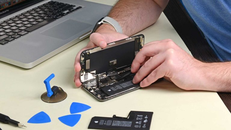 Apple Adds Software Lock to iPhone Batteries, Discouraging 3rd-Party Repair